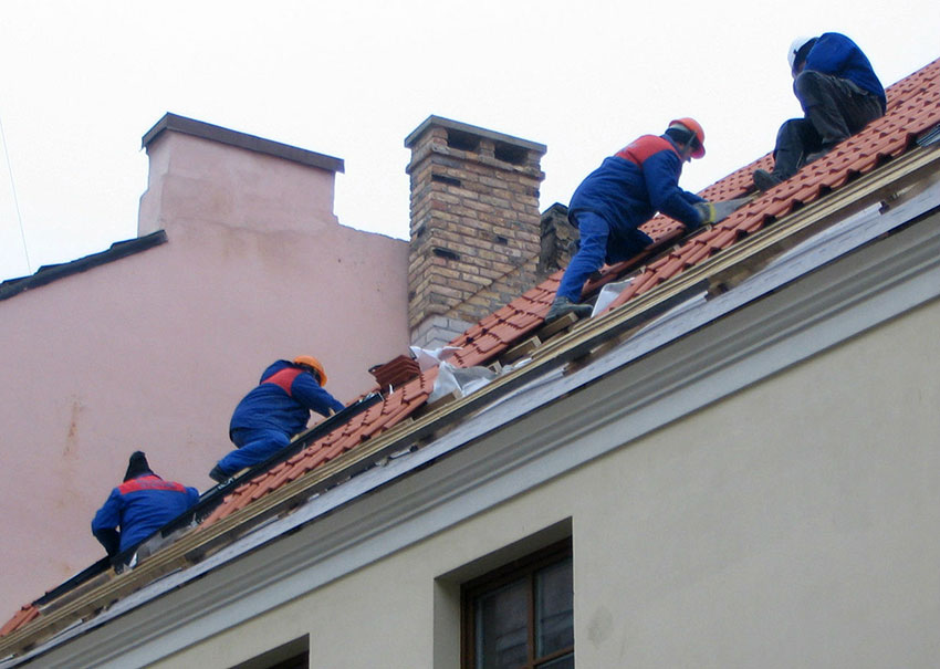 3 Easy Steps to Select the Best Roofers for You